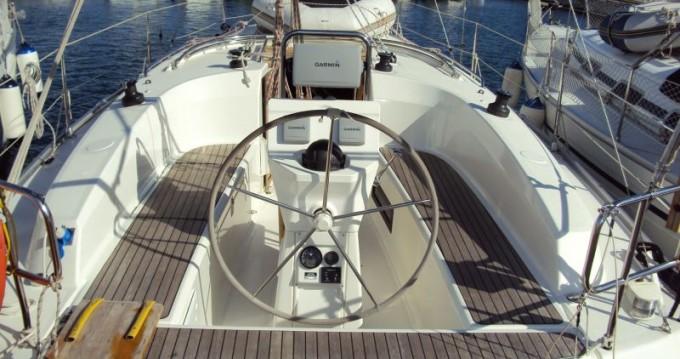 Rental Sailboat in Pula - Bavaria Cruiser 32
