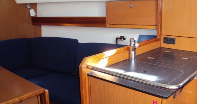 Rental yacht Pula - Bavaria Cruiser 32 on SamBoat