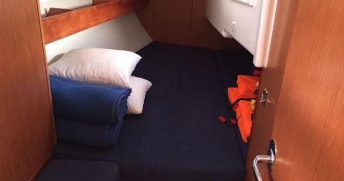 Rental yacht Pula - Bavaria Cruiser 33 on SamBoat