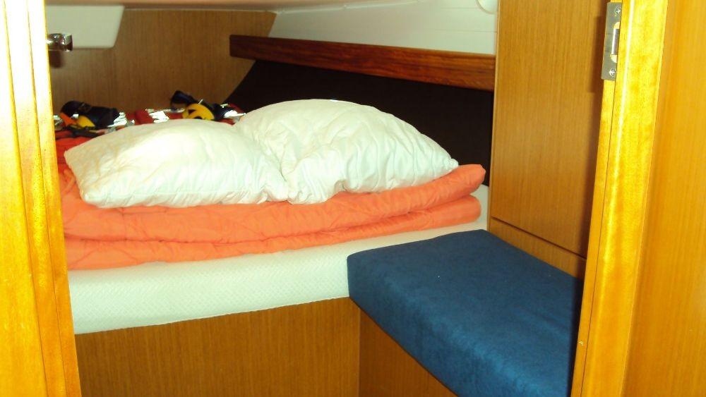 Rent a Bavaria Cruiser 41 Grad Pula