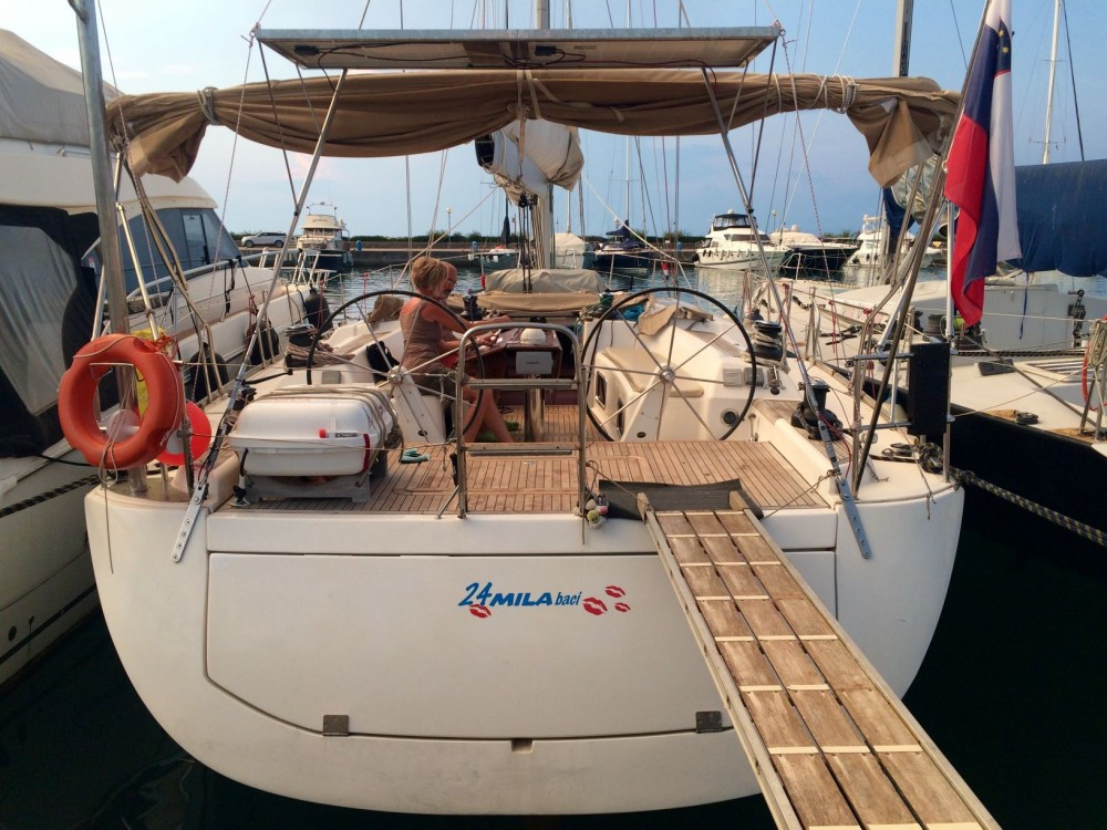 Rental yacht Grad Pula - Dufour Dufour 525 GL on SamBoat