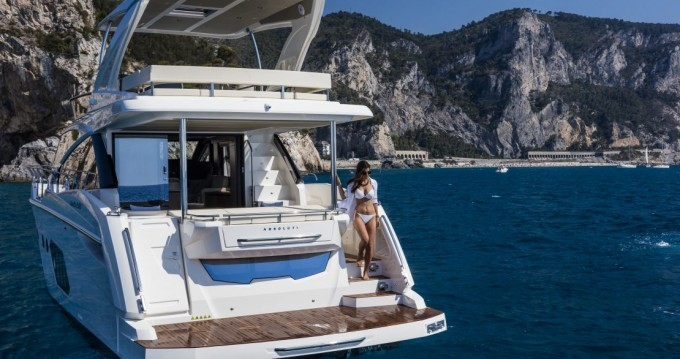 Rental Motorboat in Palit - Absolute Yachts Absolute 50 Fly