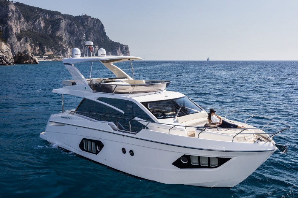 Rental Motorboat Absolute Yachts with a permit