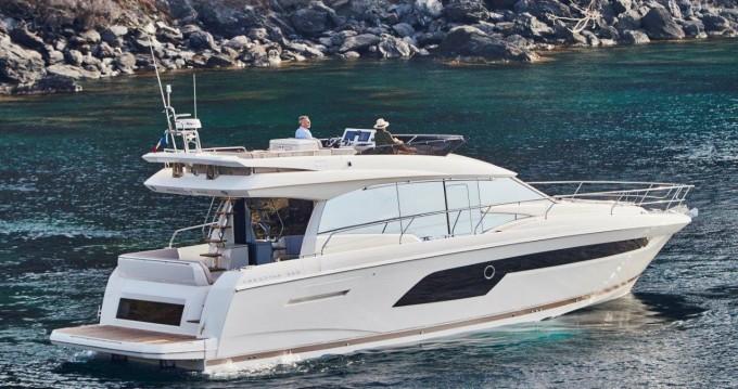 Rental Motorboat in Podstrana - Jeanneau Prestige 520 Flybridge