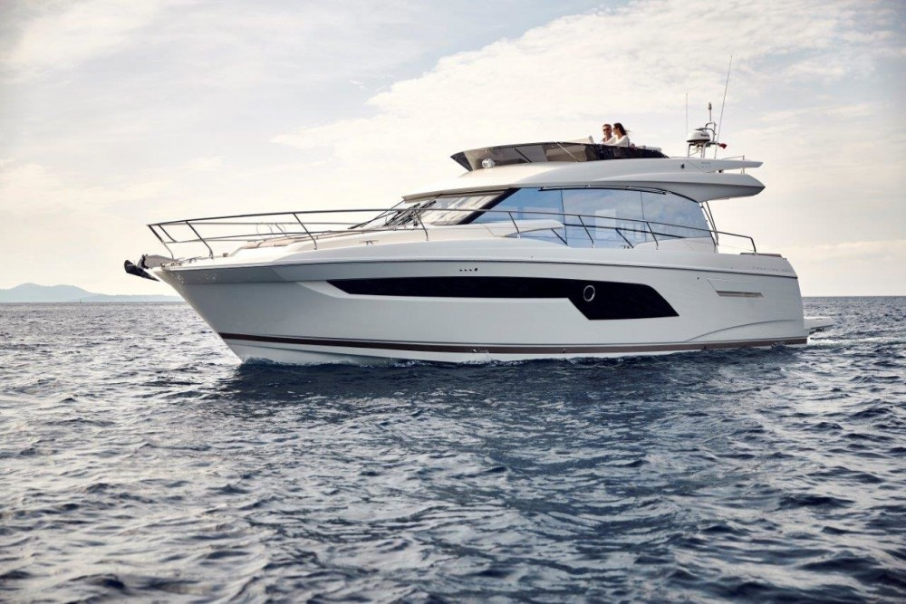 Rental Motor boat in Podstrana - Jeanneau Prestige 520 Flybridge