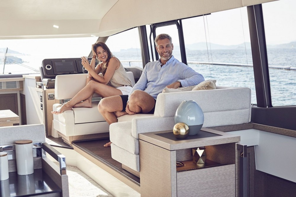 Boat rental Podstrana cheap Prestige 520 Flybridge