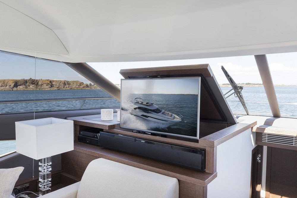 Boat rental Jeanneau Prestige 520 Flybridge in Podstrana on Samboat