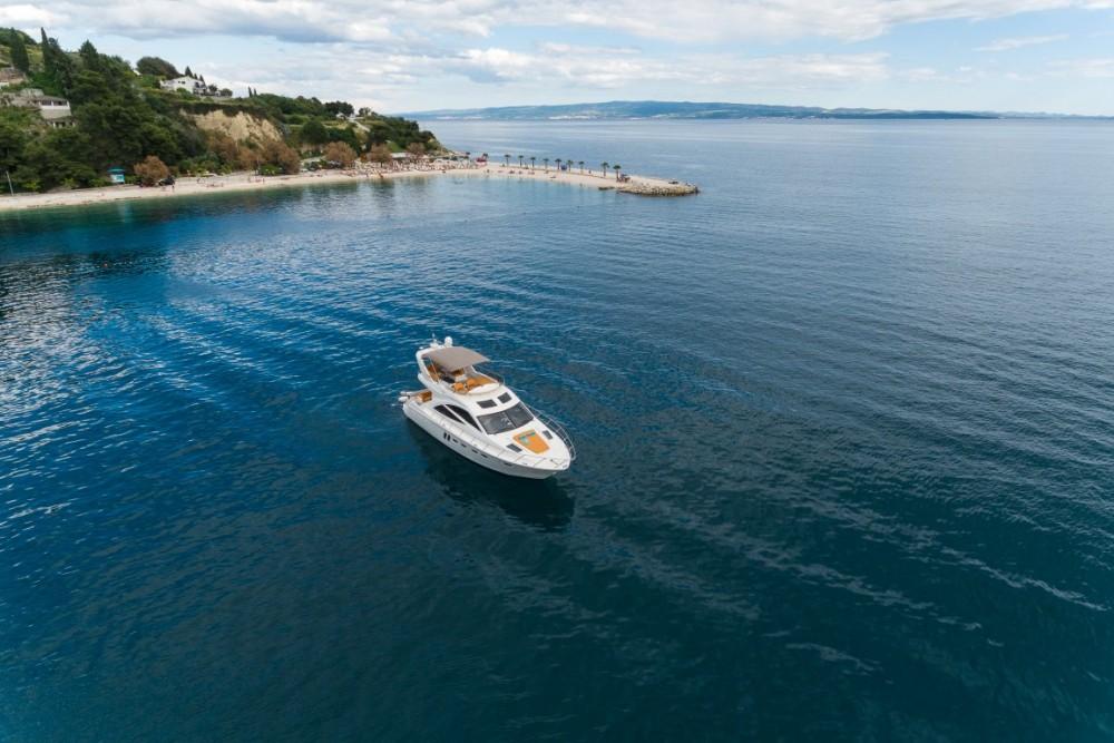 Rental yacht Croatia - Sealine Sealine T 50 on SamBoat