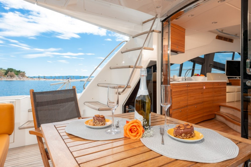 Rental Motorboat in Croatia - Sealine Sealine T 50