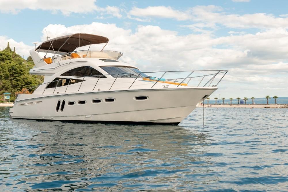 Boat rental Sealine Sealine T 50 in Croatia on Samboat