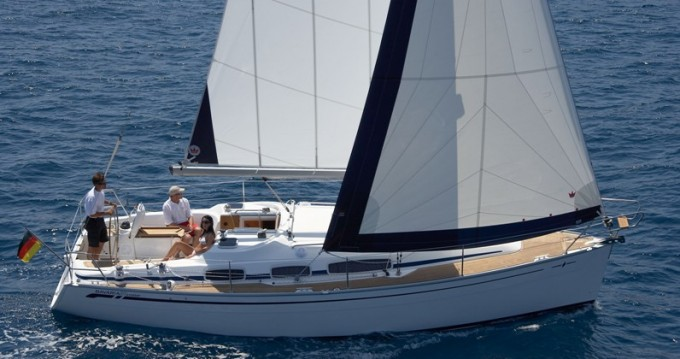 Rental Sailboat in Sukošan - Bavaria Bavaria 31 Cruiser