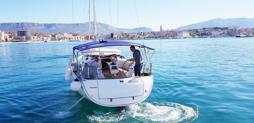 Rental Sailboat in Split - Bavaria Bavaria Cruiser 37 - 3 cab.