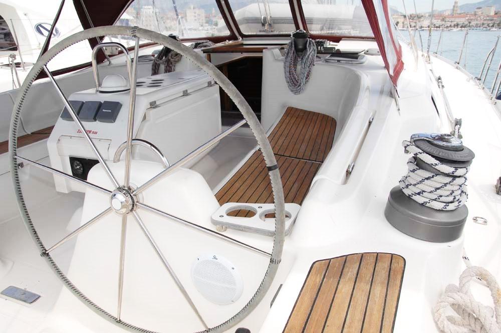 Rent a Dufour Gib Sea 51 Split
