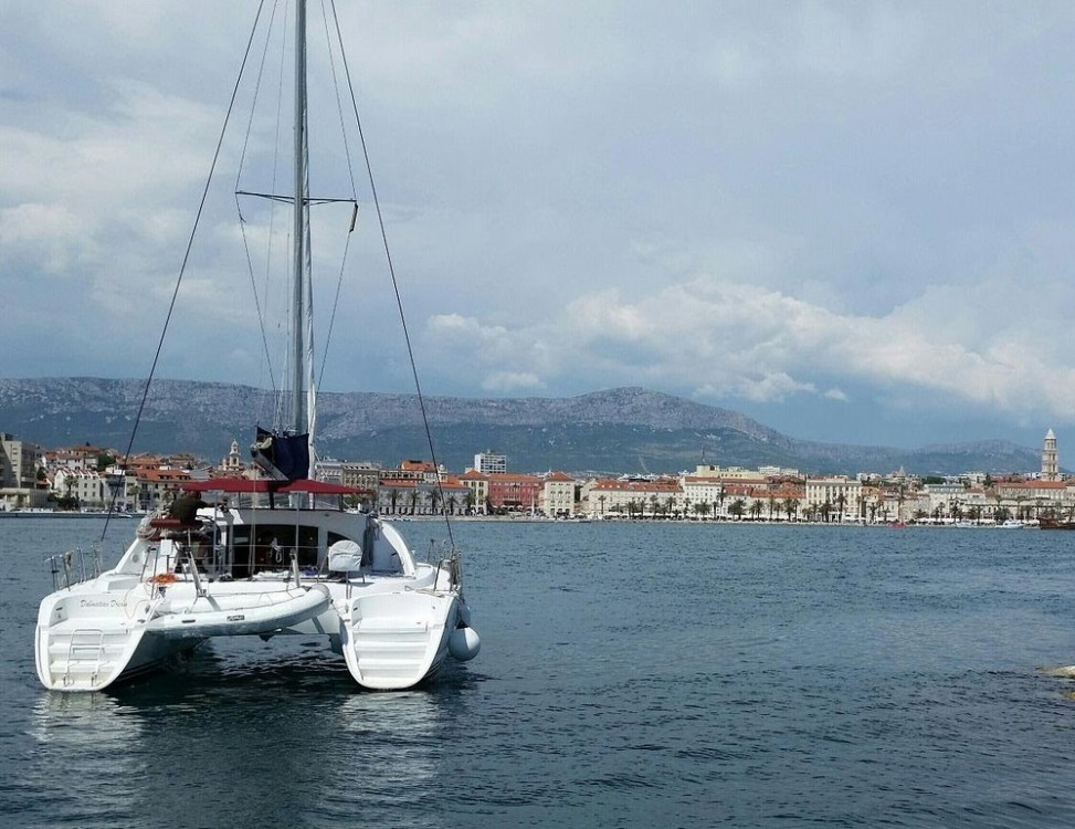Rental Catamaran in Split - Lagoon Lagoon 380 S2 - 4 + 2 cab.
