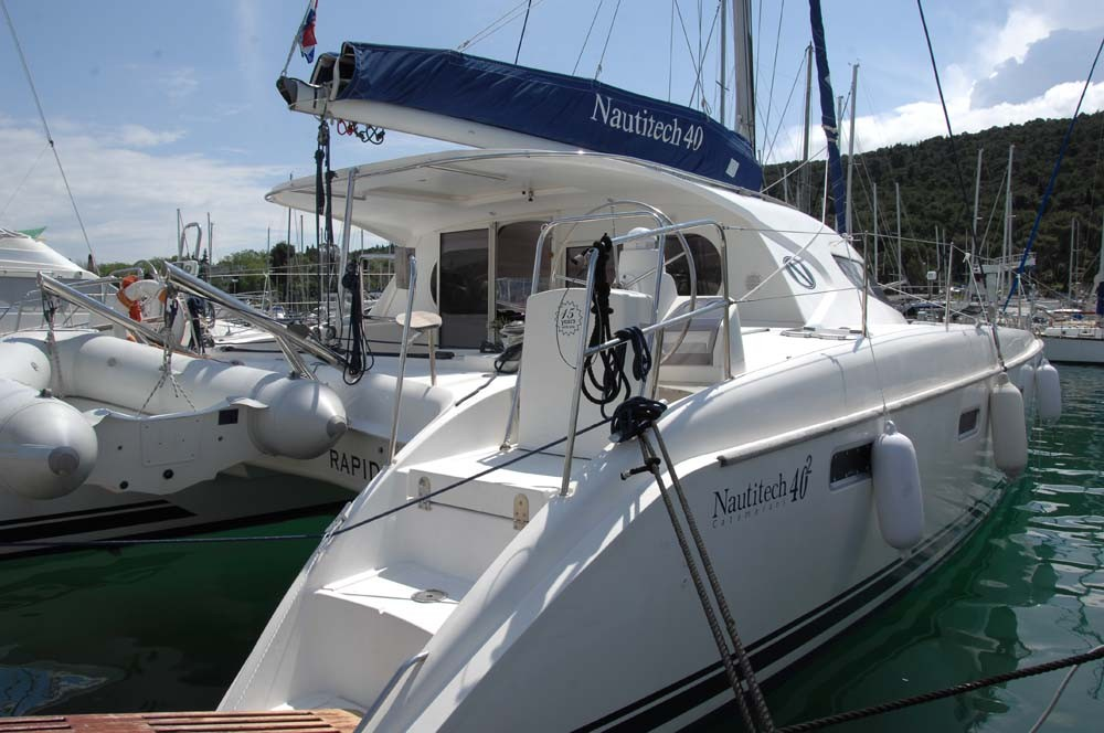 Hire Catamaran with or without skipper Nautitech Rochefort Split