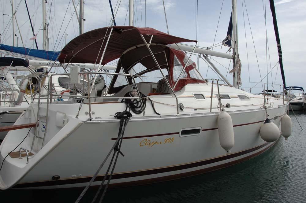 Rental yacht Split - Bénéteau Oceanis Clipper 393 on SamBoat