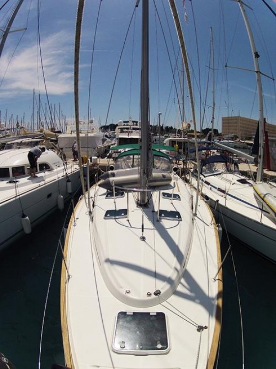 Boat rental Bénéteau Oceanis Clipper 461 in Split on Samboat