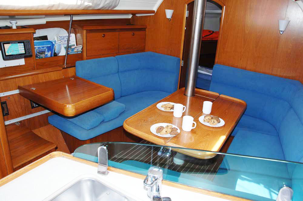 Boat rental Jeanneau Sun Odyssey 35 in  on Samboat