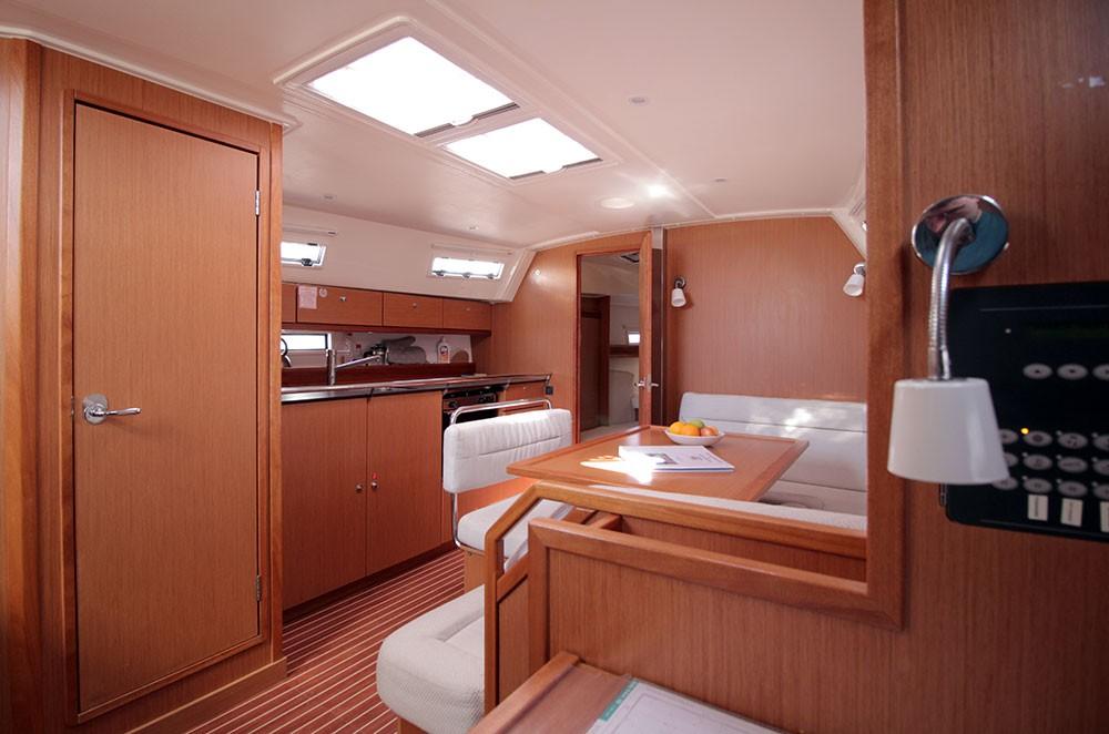 Boat rental Bavaria R40 in Playa de Palma on Samboat