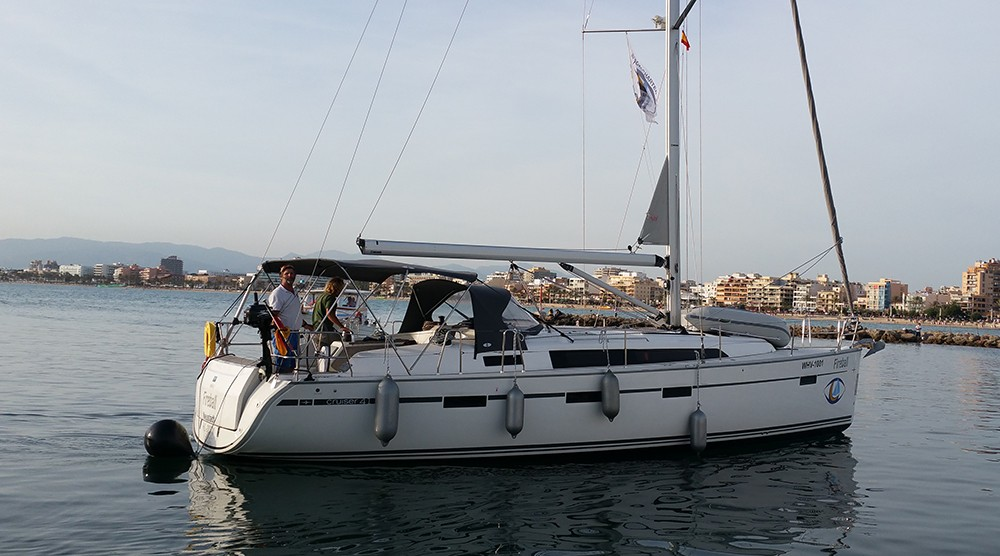 Rent a Bavaria Cruiser 41 Playa de Palma