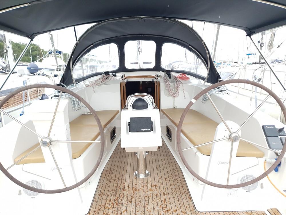 Rental yacht Split - Bavaria Bavaria Cruiser 41 - 3 cab. on SamBoat