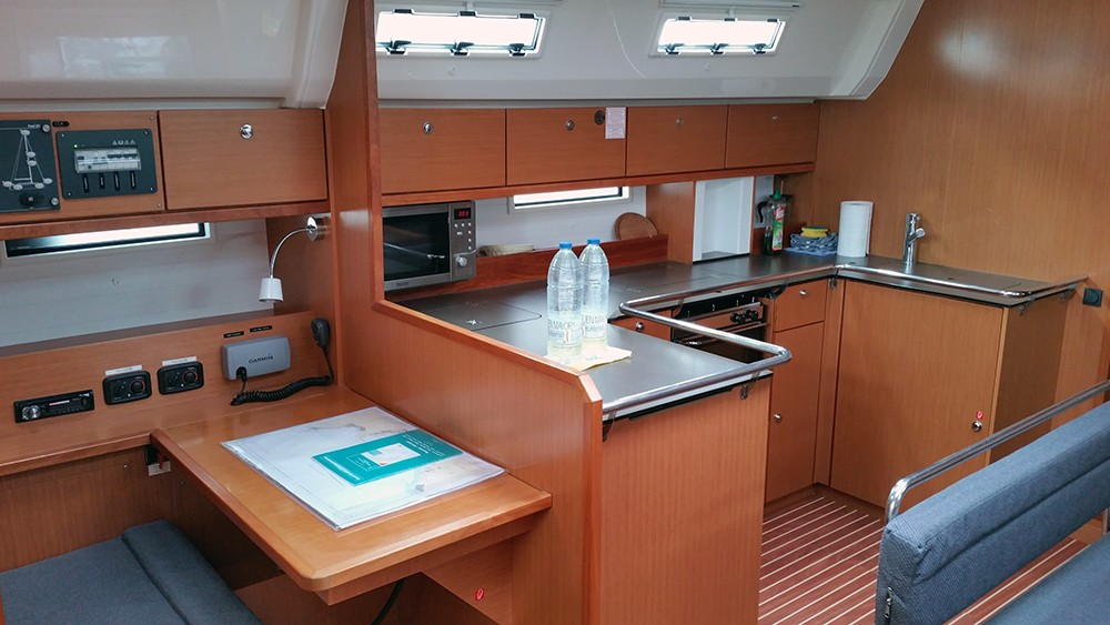 Rental Sailboat in Playa de Palma - Bavaria Cruiser 50