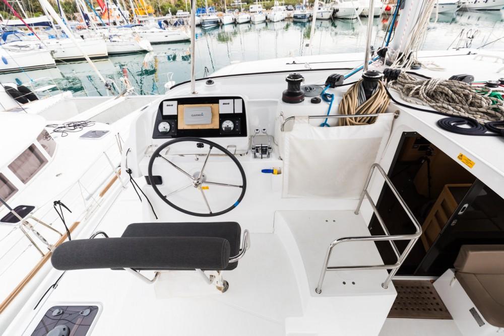 Rental Catamaran in Peloponnese - Lagoon Lagoon 42 - 4 + 2 cab.