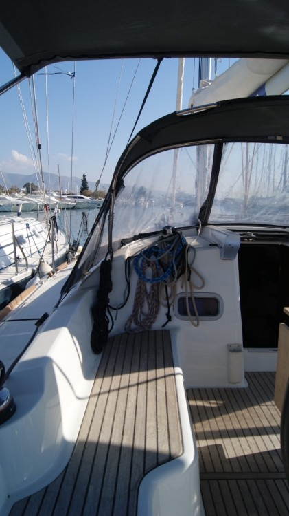Rent a Bénéteau Oceanis 37 Peloponnese
