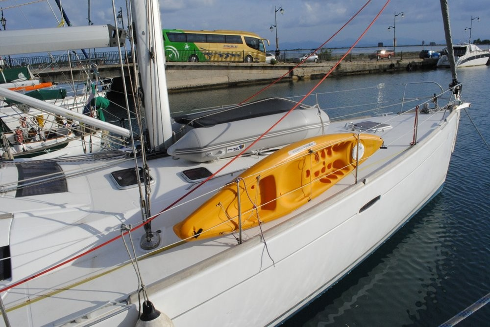 Rent a Bénéteau Oceanis 54 Peloponnese