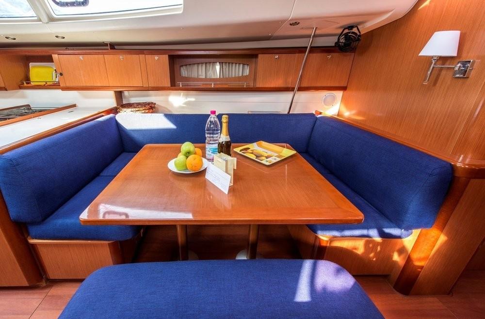 Boat rental Bénéteau Oceanis 54 in Peloponnese on Samboat