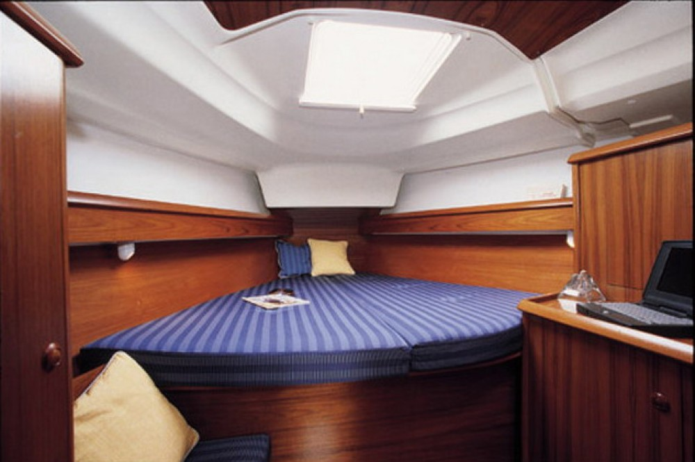 Jeanneau Sun Odyssey 40 between personal and professional Peloponnese