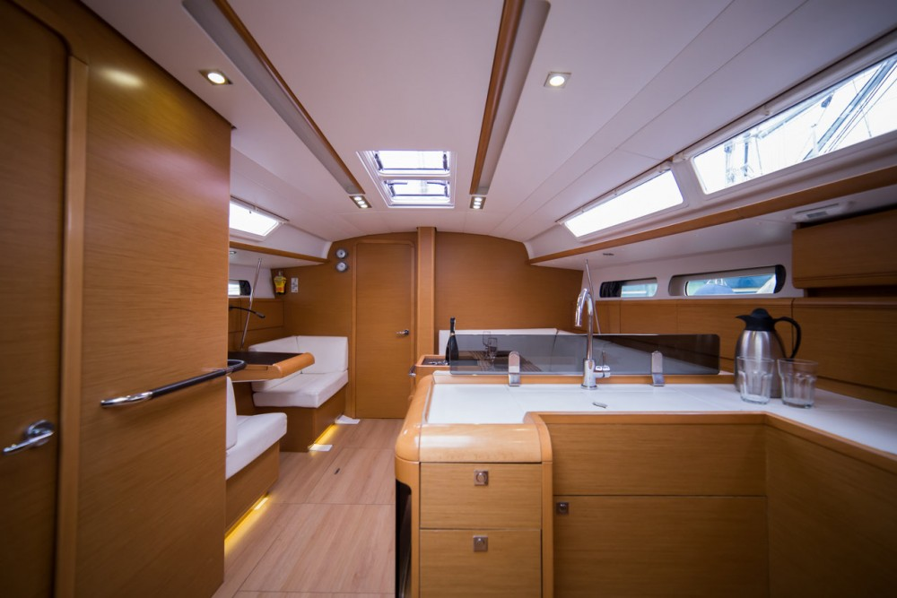 Boat rental Peloponnese cheap Sun Odyssey 409