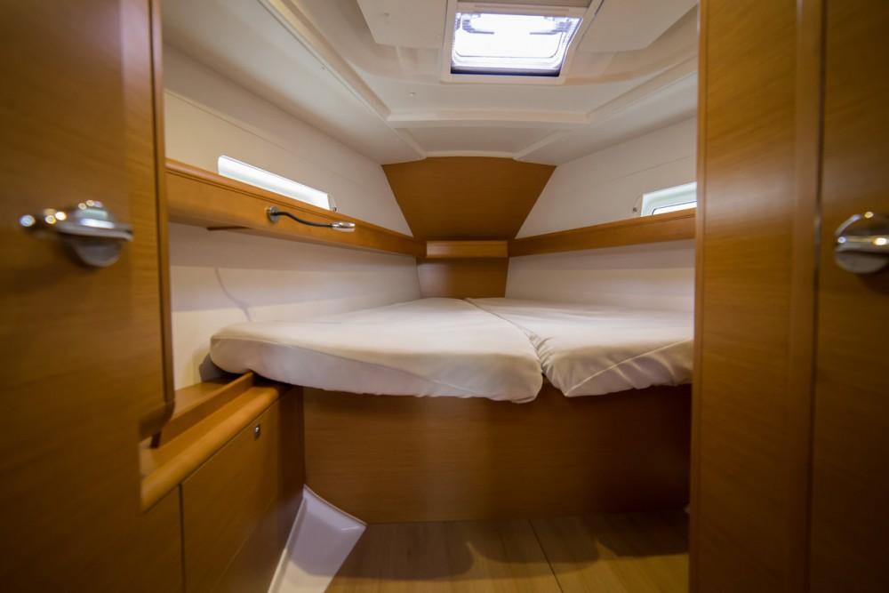 Rental Sailboat in Peloponnese - Jeanneau Sun Odyssey 409