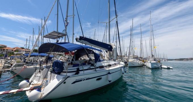 Boat rental Bavaria Bavaria 39 Cruiser in Trogir on Samboat