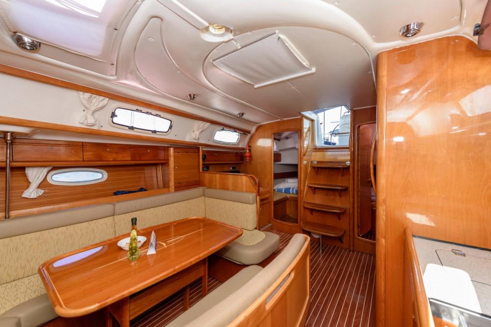 Boat rental Bavaria Cruiser 39 in Trogir on Samboat