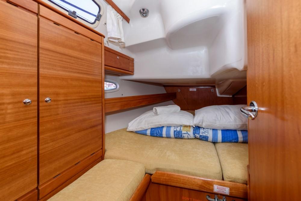 Rent a Bavaria Cruiser 39 Trogir