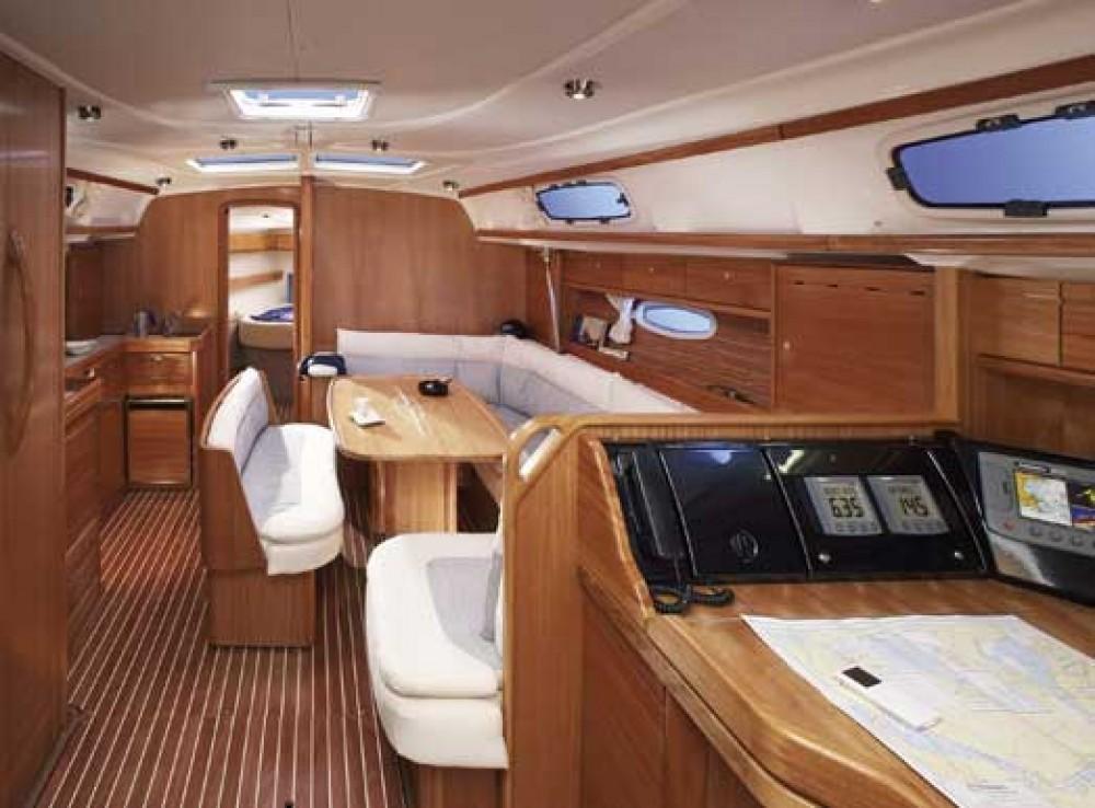 Rent a Bavaria Cruiser 42 Primošten