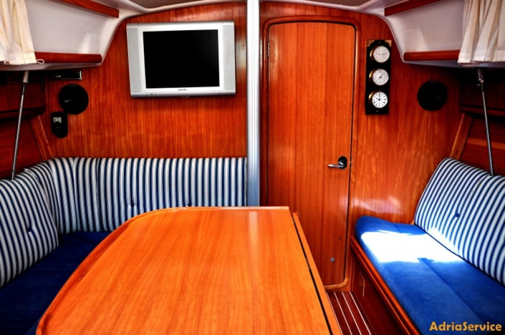 Boat rental Bavaria Cruiser 33 in Izola / Isola on Samboat