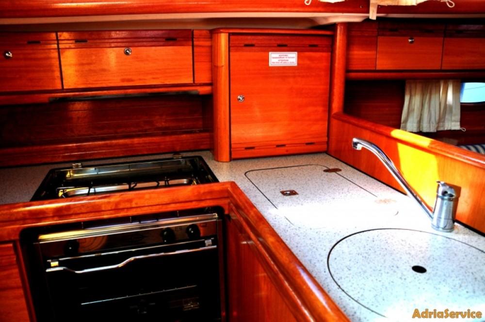 Rent a Bavaria Cruiser 33 Izola / Isola