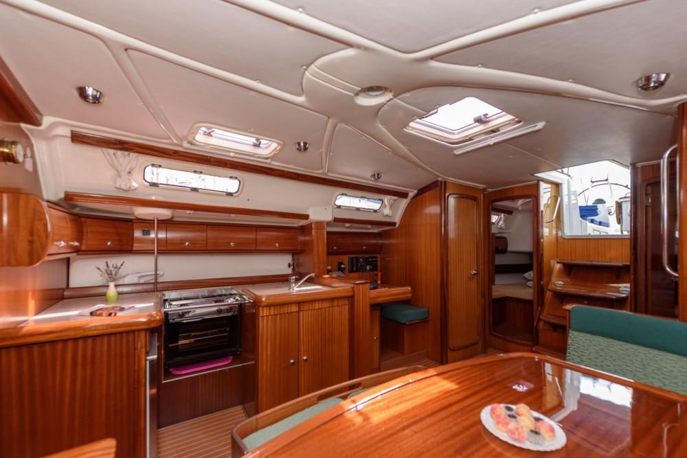 Boat rental Bavaria Bavaria 49 in Trogir on Samboat