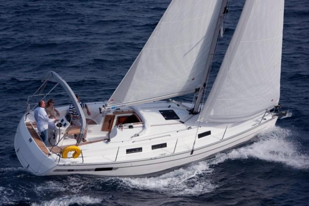 Rent a Bavaria Cruiser 32