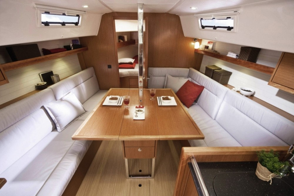 Boat rental  cheap Cruiser 32