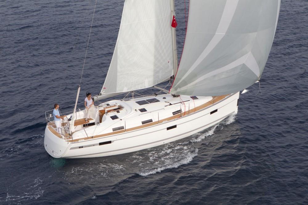 Rental yacht Primošten - Bavaria Cruiser 36 on SamBoat