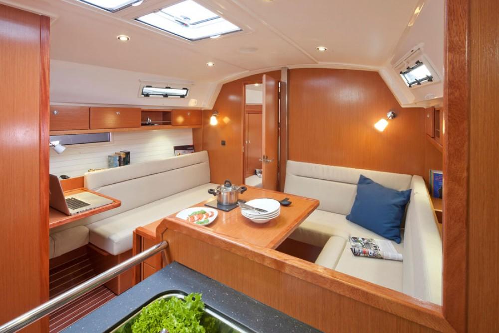 Boat rental Bavaria Cruiser 36 in Primošten on Samboat
