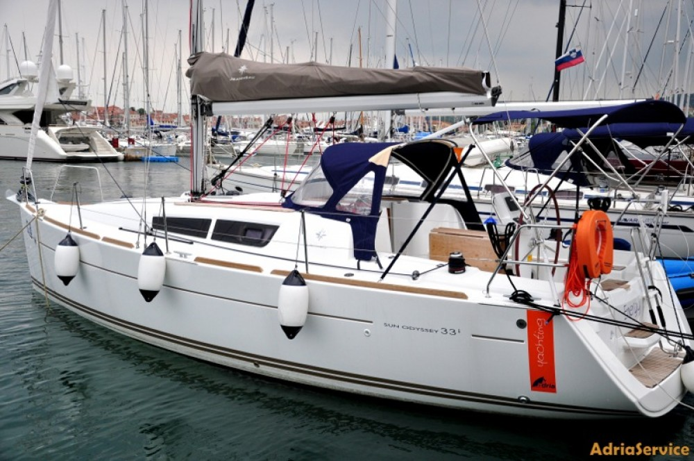 Jeanneau Sun Odyssey 33i between personal and professional Izola / Isola
