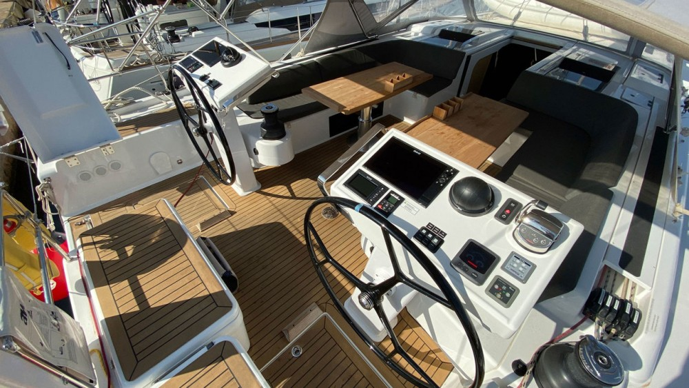 Boat rental Hanse Hanse 548 - 3 + 1 cab. in Palma on Samboat