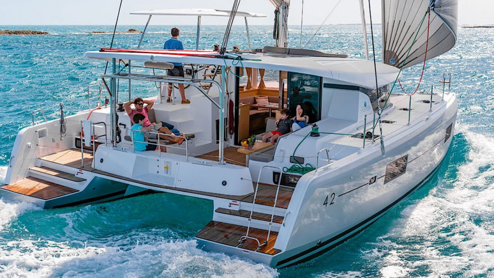 Hire Catamaran with or without skipper Lagoon Can Pastilla