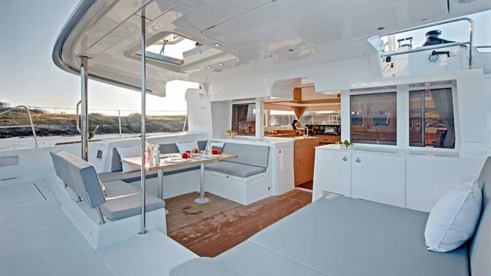 Boat rental Lagoon Lagoon 450 - 4 + 2 cab. in Can Pastilla on Samboat