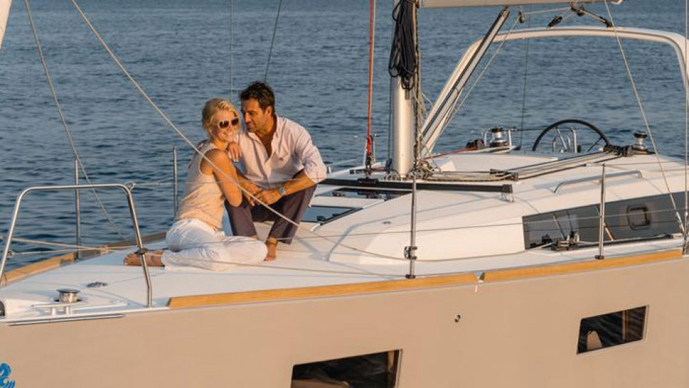 Hire Sailboat with or without skipper Bénéteau Can Pastilla