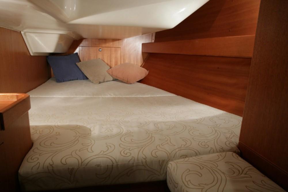 Rental Sailboat in Grad Pula - Elan Elan 344 Impression